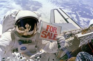 800px-Satellites_For_Sale_-_GPN-2000-001036